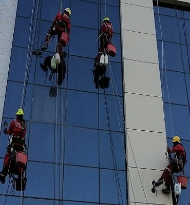 facade cleaning services dubai